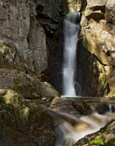 10 Easily-Accessible NH Waterfalls